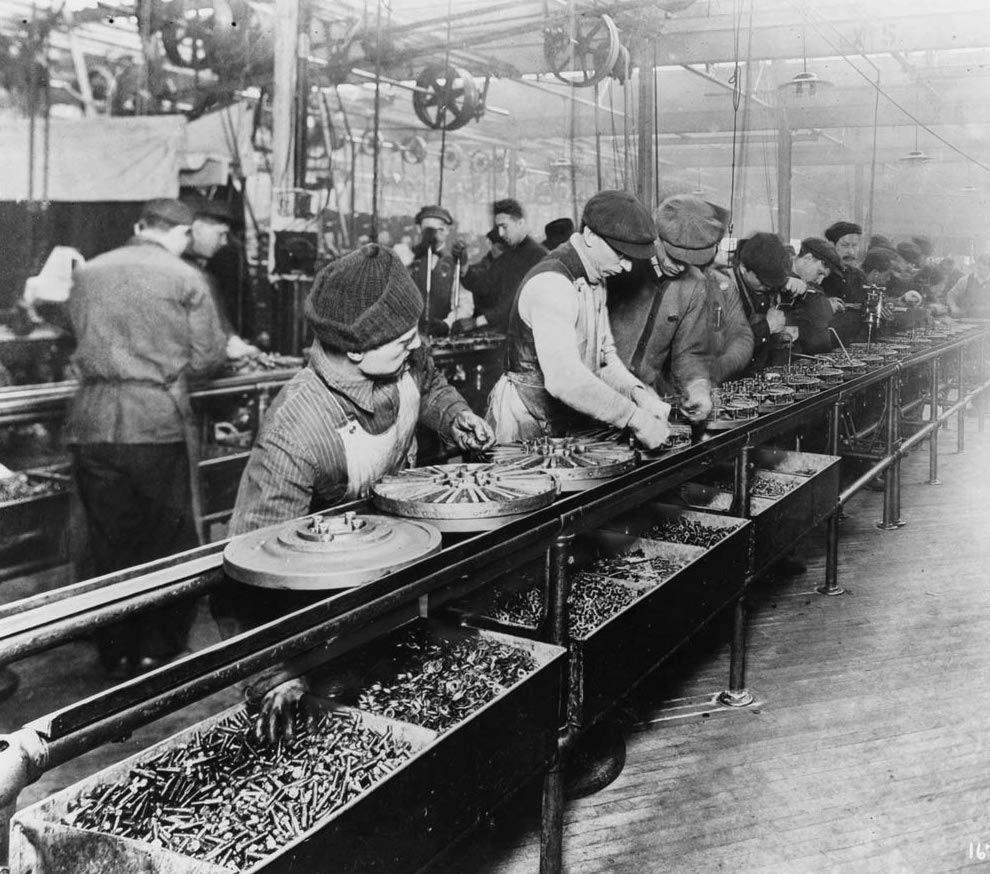 1913 Ford assembly line, a hotbed of Taylorism. Is this how people should work?